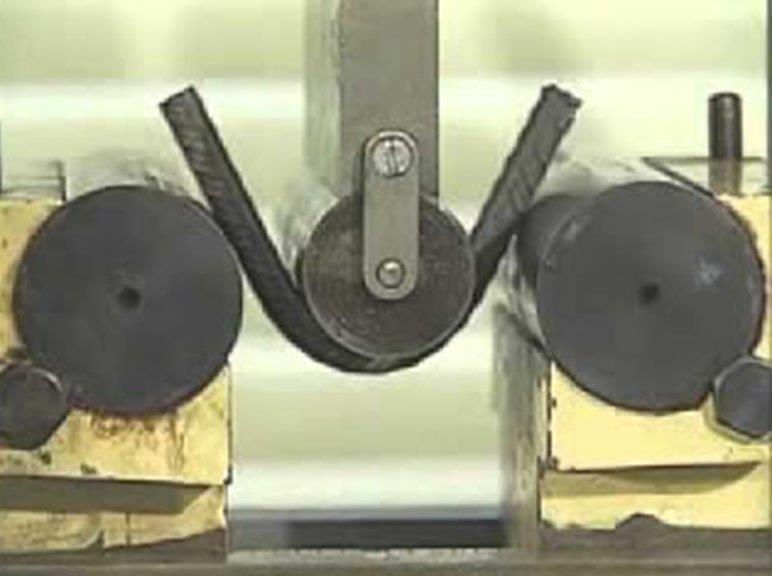 Ensaio dobramento em aço