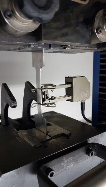 Ensaios mecânicos laboratório