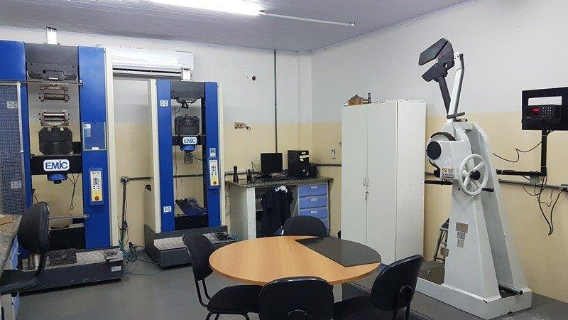 Laboratório ensaio de tração