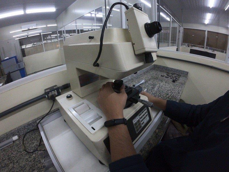 Laboratório metalúrgico