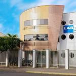 Laboratório de ensaios mecânicos e metalográficos